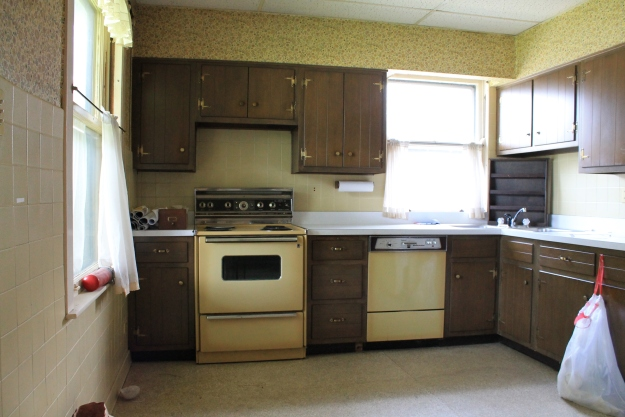 Bungalow kitchen before demolition