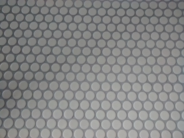 tile-and-grout-white-penny-round-platinum