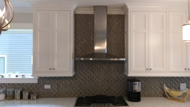 Smoke Gray Backsplash with Platinum Grout